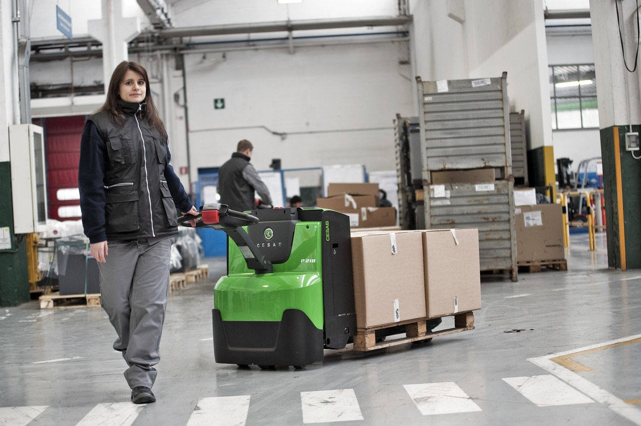 Cesab Powered Pallet Truck